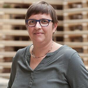 NO-NAIL BOXES: Sonja KOENIG, Customer service