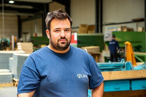 Zoom op Quentin Thiry: overdag operator bij NO-NAIL BOXES, 's avonds bierkenner