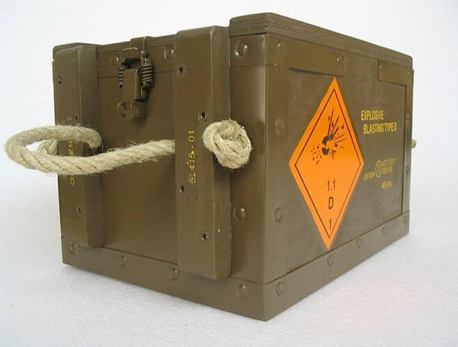 NO-NAIL BOXES: Army-coloured boxes